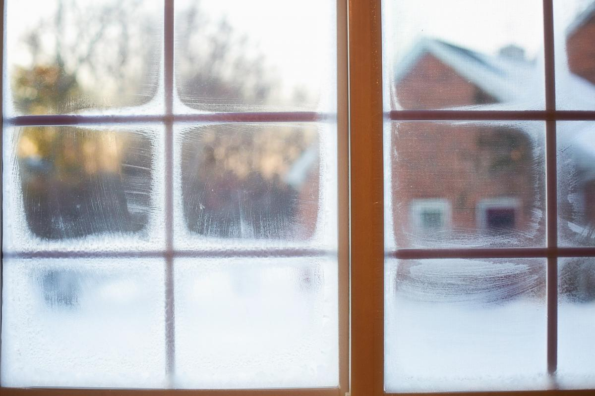 How to reduce heat lost through home windows and save on heating costs